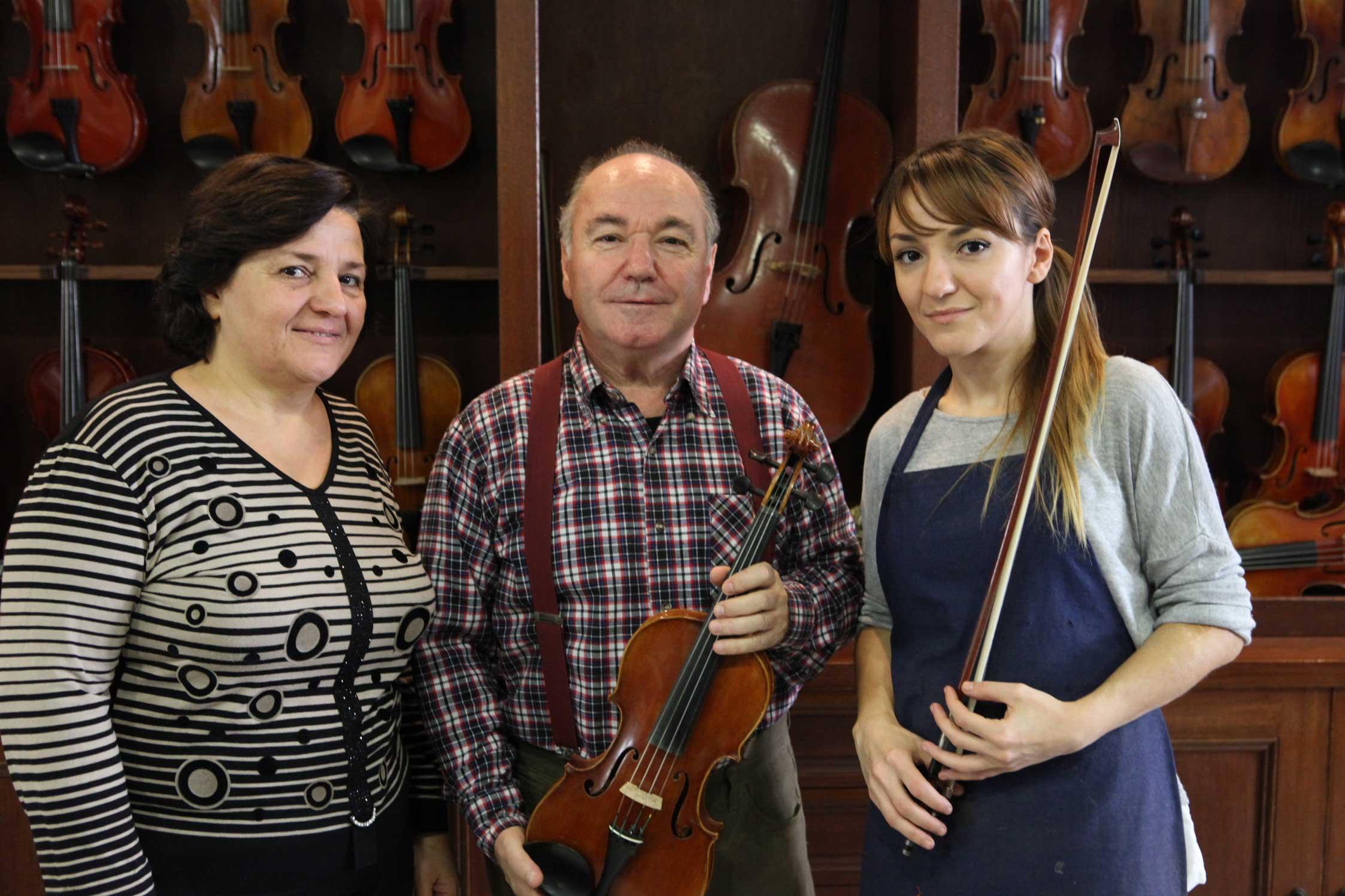 zoulas-violins-about1